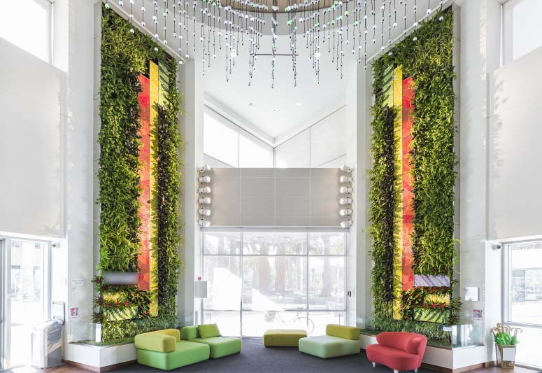 Living Green Walls Amp Selling Biophilia Newpro Containers