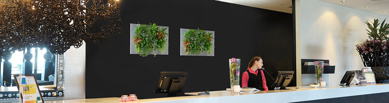 An introduction to green wall lighting newpro blog suiteplants live picture aloadofball Gallery
